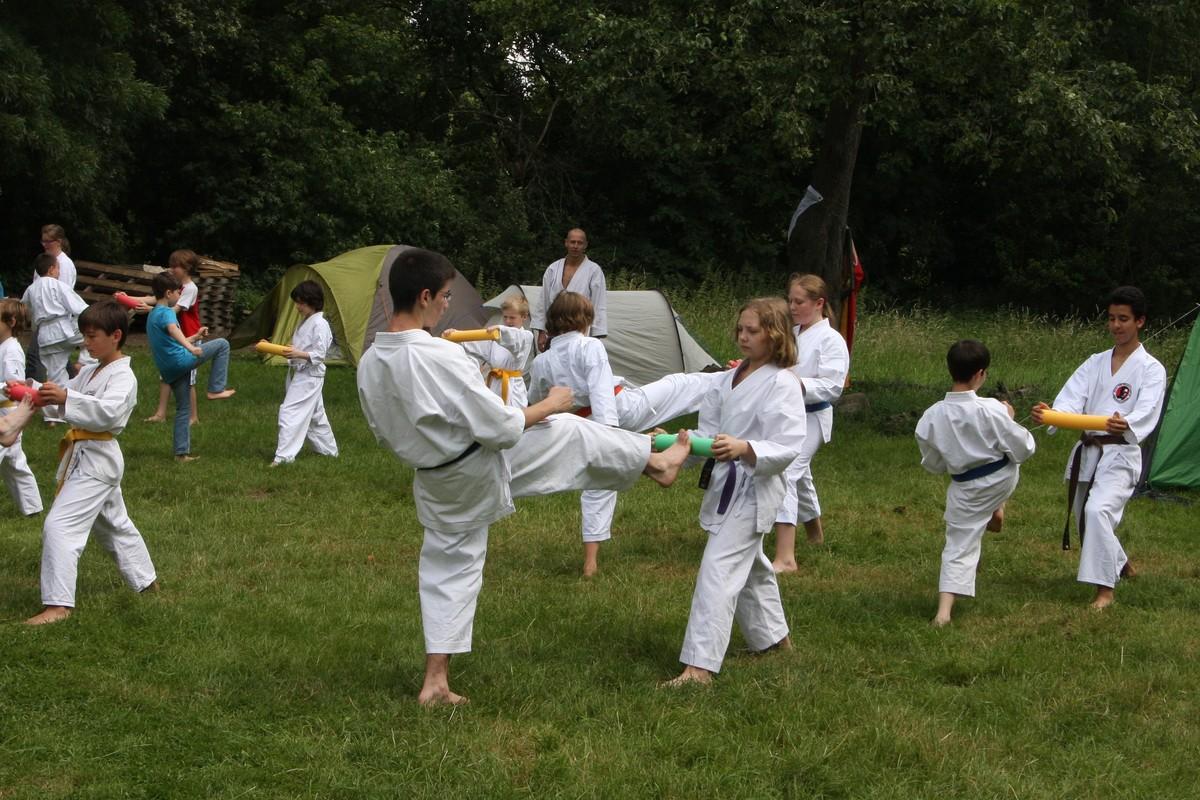 Kinderzeltlager und Karatetraining