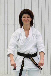 Melanie Teeuwen (3. Dan - Karate seit 1989 - Bankkauffrau - geb. 1973 - Übungsleiter C+B - DJKB Prüferlizenz B)